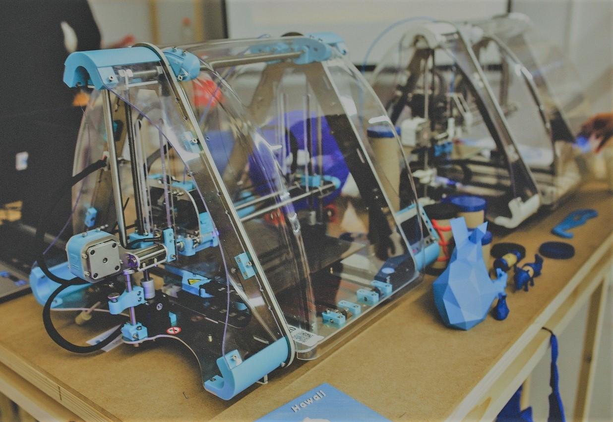 Thomas Le Carrou explique comment la 3D aident les chirurgiens orthopédiques
